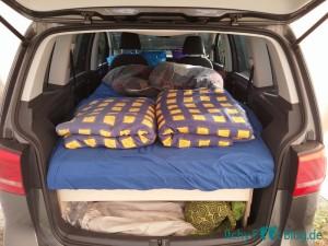 VW Touran Umbau - Bett
