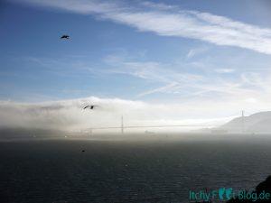 Sicht auf die Golden Gate Bridge von Alcatraz Island