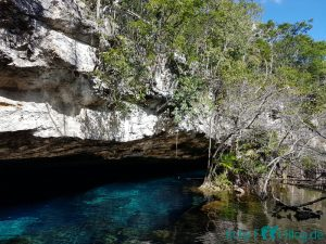 Mexiko Cenote Chac Mool / Little Brother
